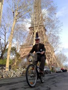 Shoup on Velib bike in Paris